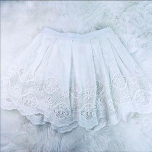 Tobi Cream Color Lace & Embroider Skirt Sz S